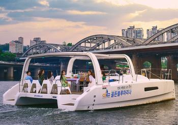 ad352891-940.hangang-yacht